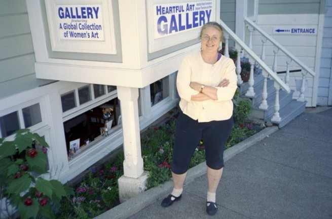 Raphaella's Heartful Art Gallery opened in Sausalito on June 2, 2001